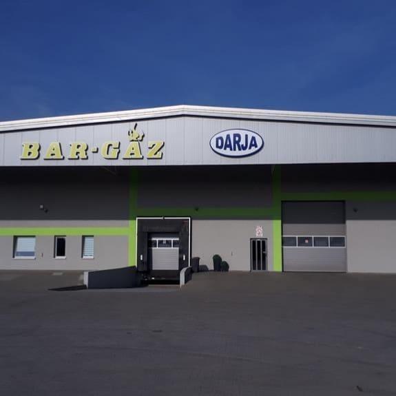 Hurtownia odzieży używanej Darja realizuje sprzedaż we własnej siedzibie oraz dostawy dla odbiorców z całej Polski.
