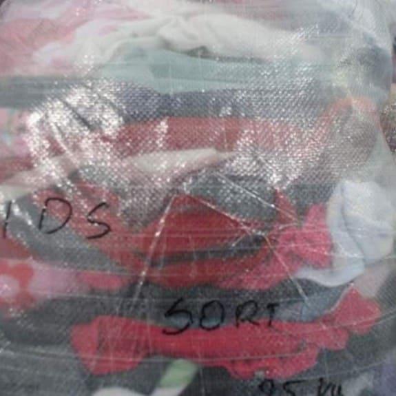 Import odzieży ze Szkocji